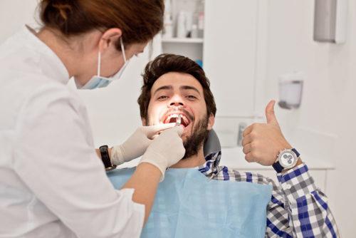 ملاقات با دندان پزشک